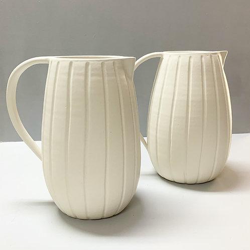 Jarra Lia G em porcelana
