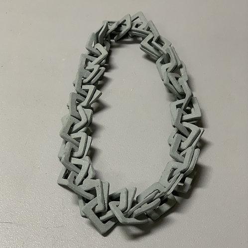 Colar em cerâmica azul