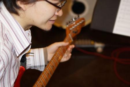 横浜、町田でギター、ベースのレッスン!親子レッスンコースなら、親子、兄弟、姉妹、従兄弟同士でもOK