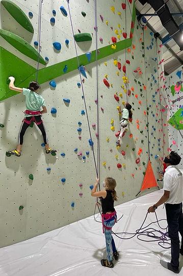 climbing_dubai_kids