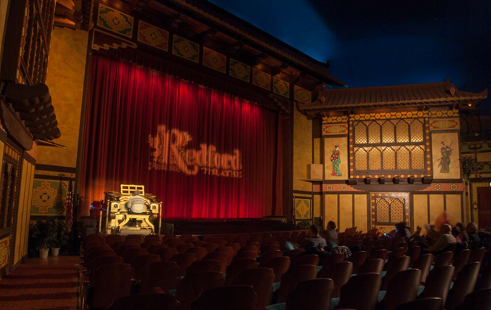 An interior view of Detroit's Redford Theatre. The Barton organ is visible.