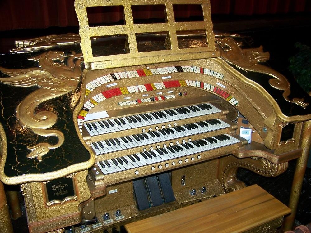 Detroit's Redford Theatre's famed organ
