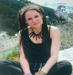 Gorgone Tresses et Dreadlocks Colombie Britannique Vicky La Rose