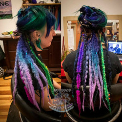 Gorgone_install_rainbow_dreads
