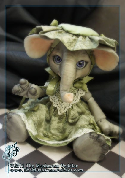 Elli the Elephant - White resin