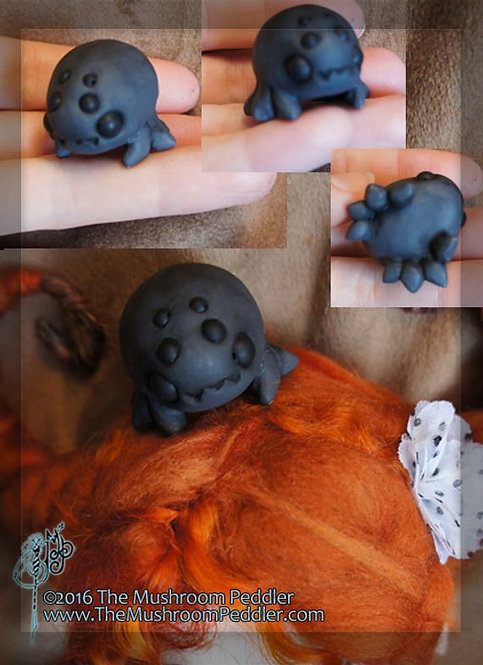 Tuffet the Spider - Dark Grey Resin