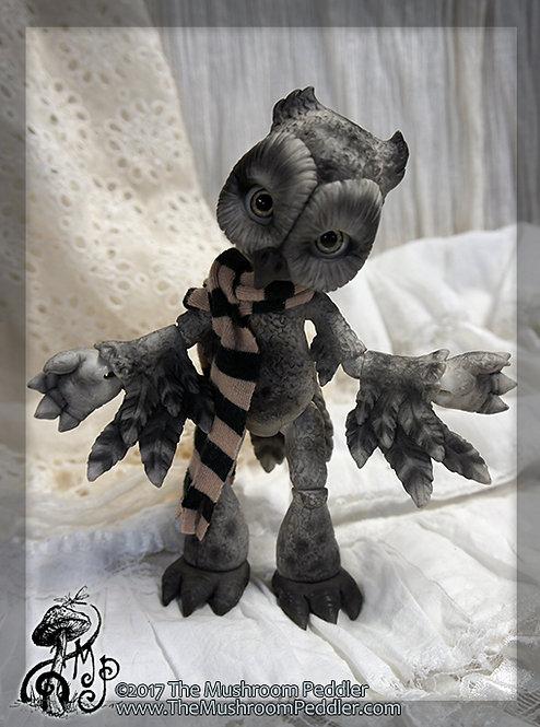 Hoot the Owl - White resin - Smokey Owl