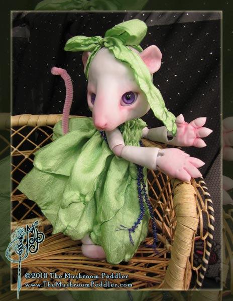 Squeak the Rat - White resin