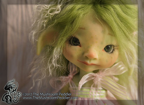 Ivy the Impling - Green Resin - nude with FACE UP