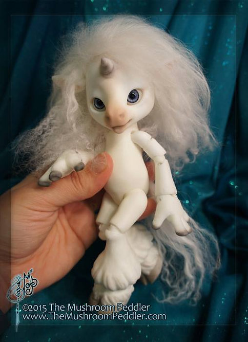 Magic the Unicorn - White resin