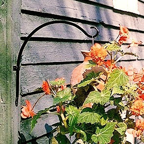 17 inch wall bracket for hanging baskets