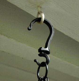 rotate hanging baskets with swivel hooks