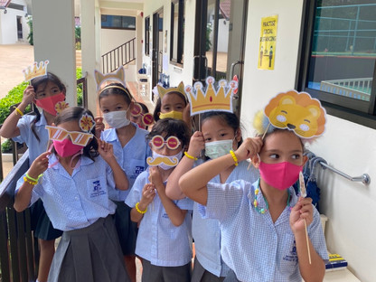 ISS Students Go Yellow For World Mental Health Day