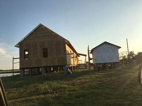 Main_house_&_cabin.jpg