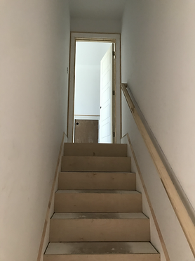 Door centered stairs.HEIC