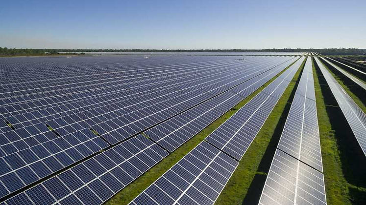 BabcockRanch_solarfarm.jpg