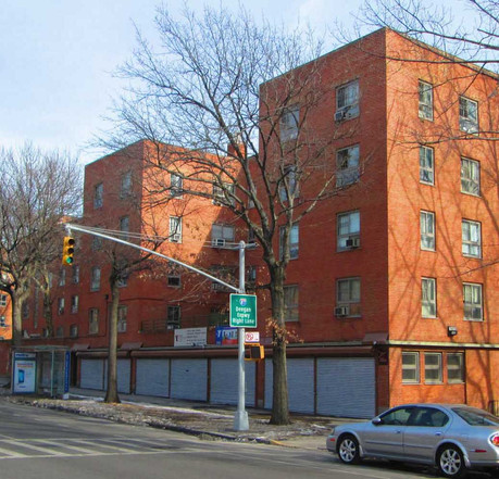 Listed today on the National Register of Historic Places, the project remains a hallmark in the history of affordable multifamily housing, with modern architectural notions of space, environment, and community. (Beyond My Ken/Wikimedia)