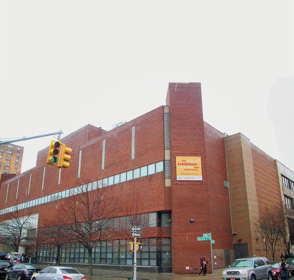 Designed by Bond in the 1970s, the Schomburg Center for Research in Black Culture has become an integral part of Harlem. (Beyond My Ken/Wikimedia Commons)