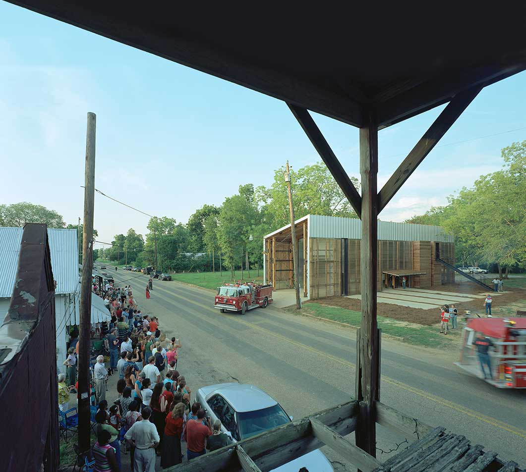 With the studio, architecture students work with the community to design and build projects. (Timothy Hursley)