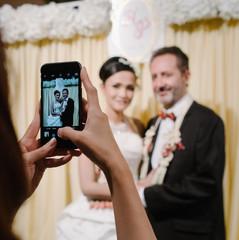 candid-on-wedding_t20_BEpjov.jpg