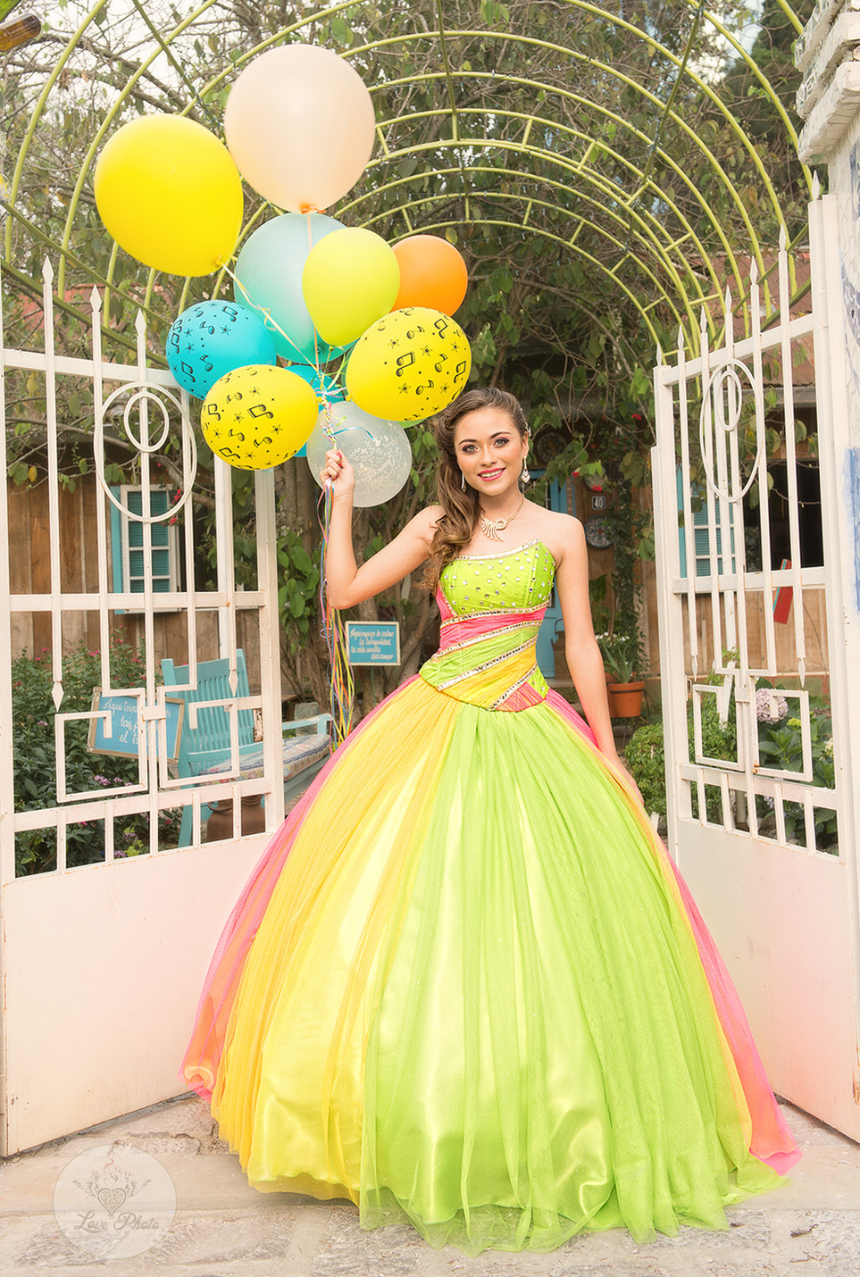 lime balloons entrance(1).jpg