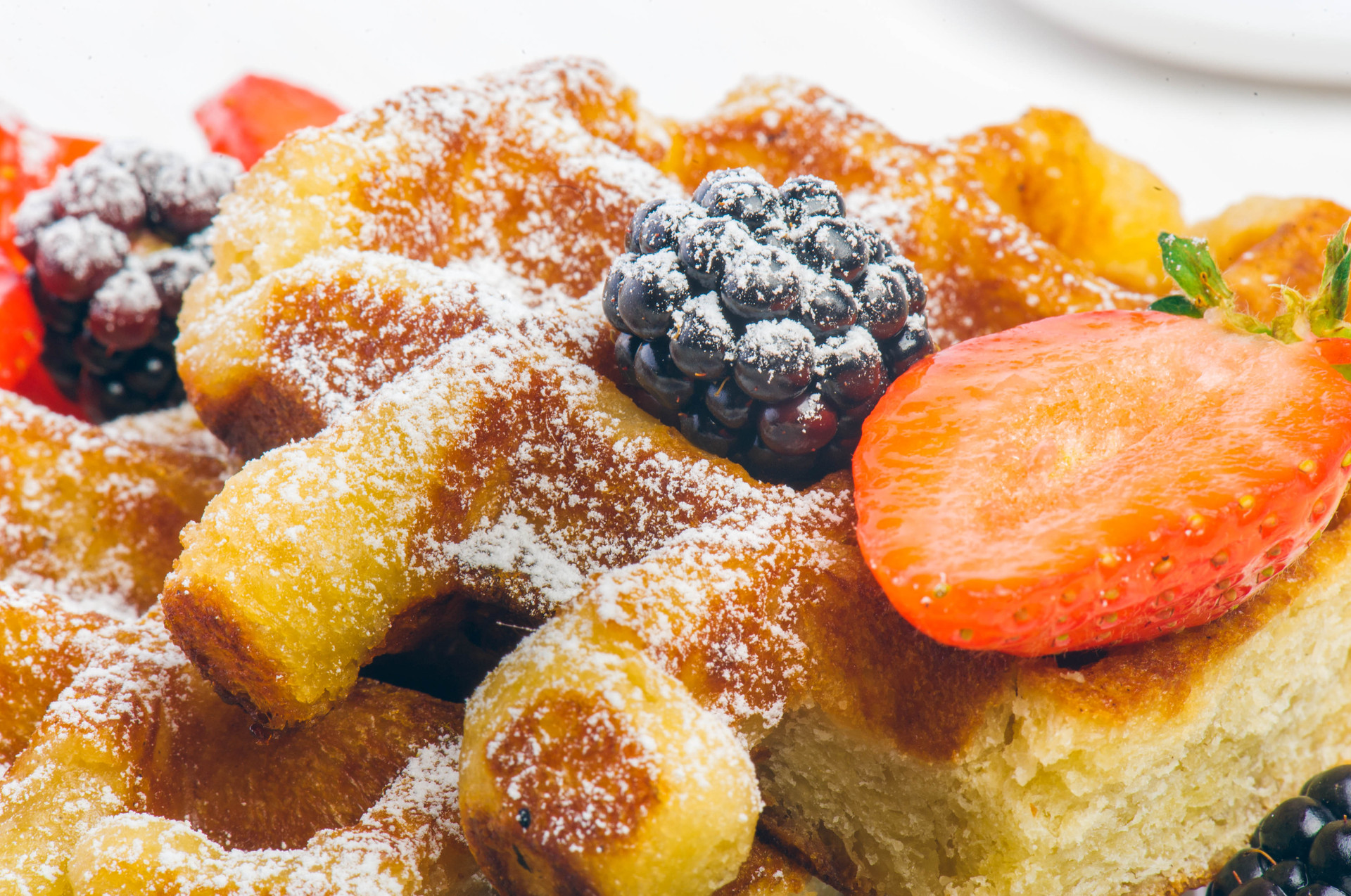 waffles-with-fresh-berries-healthy-food-