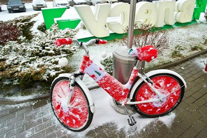 Поздравляем с днем велосипеда!