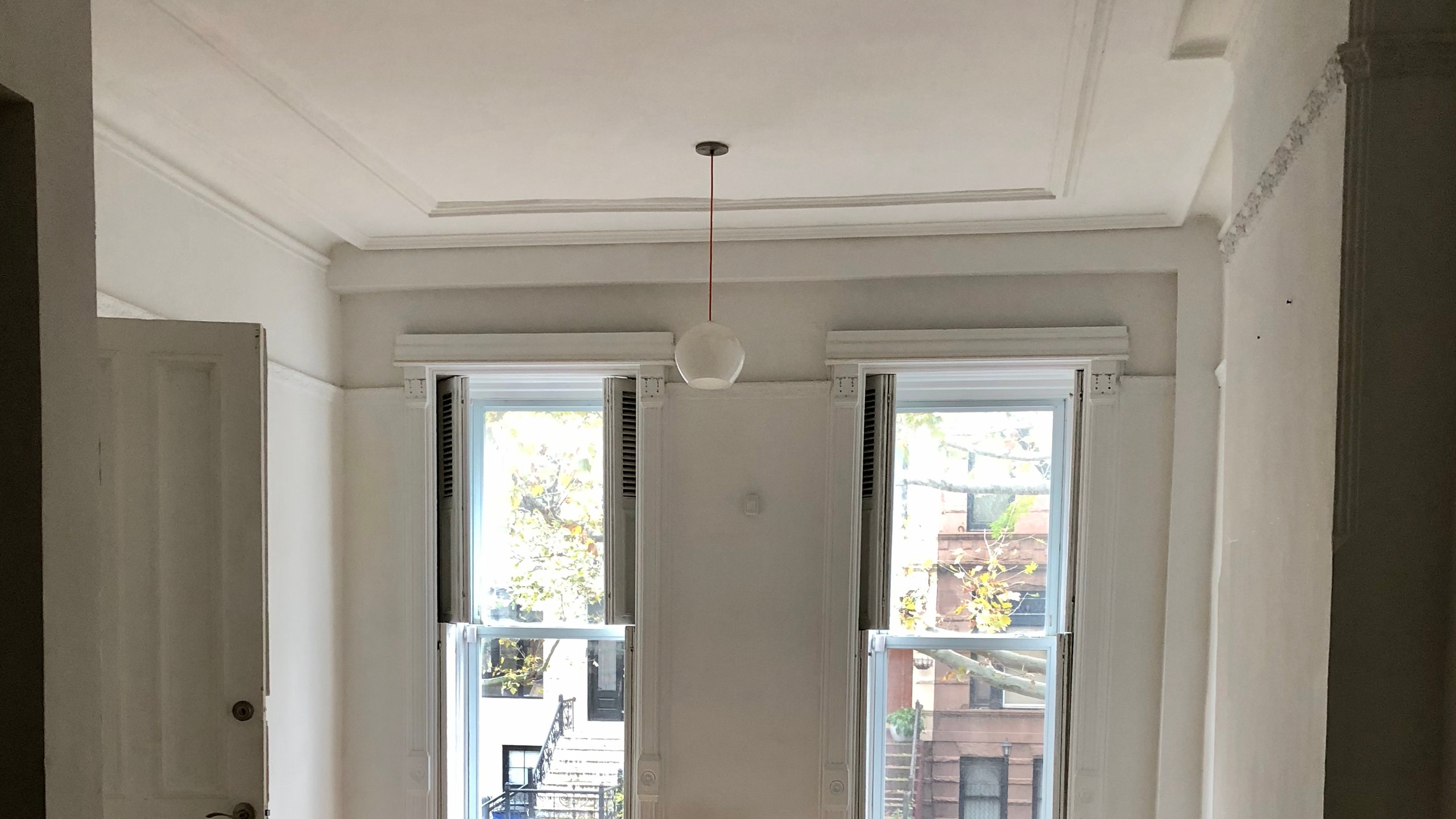 Parlor level plaster ceiling