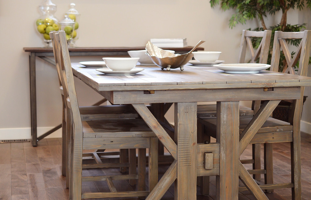dining-table-2174581_1920