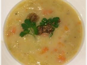 Auf in den Winter – Kartoffel-Lauch Suppe mit Steinpilzpesto
