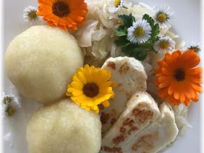 Typisch (Nieder-)Österreich – Erdäpfelknödel, Krautsalat