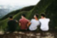 Amigos en una montaña