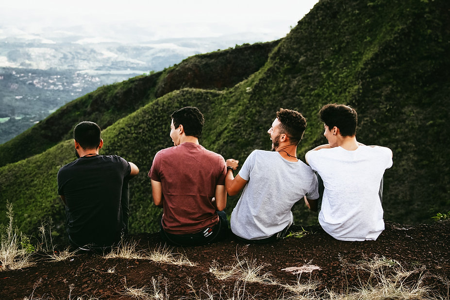 Amigos em uma montanha