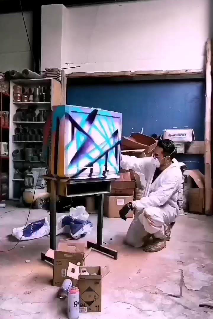 Tv Comission Spray paint for ArteXEC
