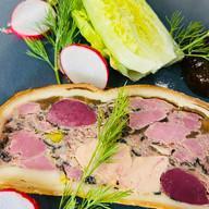 Paté en croute de canard au foie gras