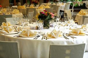 tablecloth-3336687.jpg