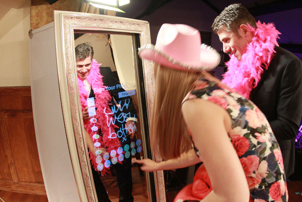 Magic Mirror Wedding8