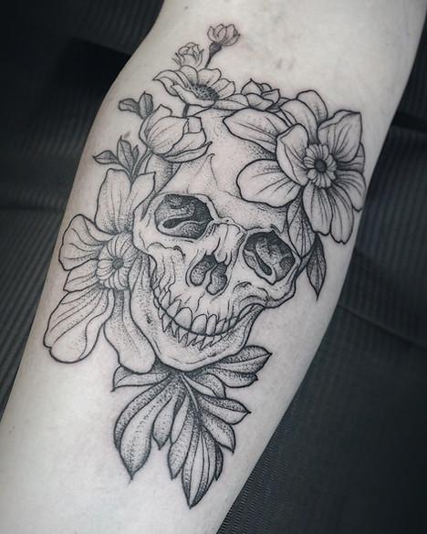 Skull dotwork