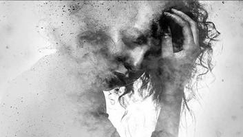 Collective Trauma versus Individual Trauma : A Literature Analysis