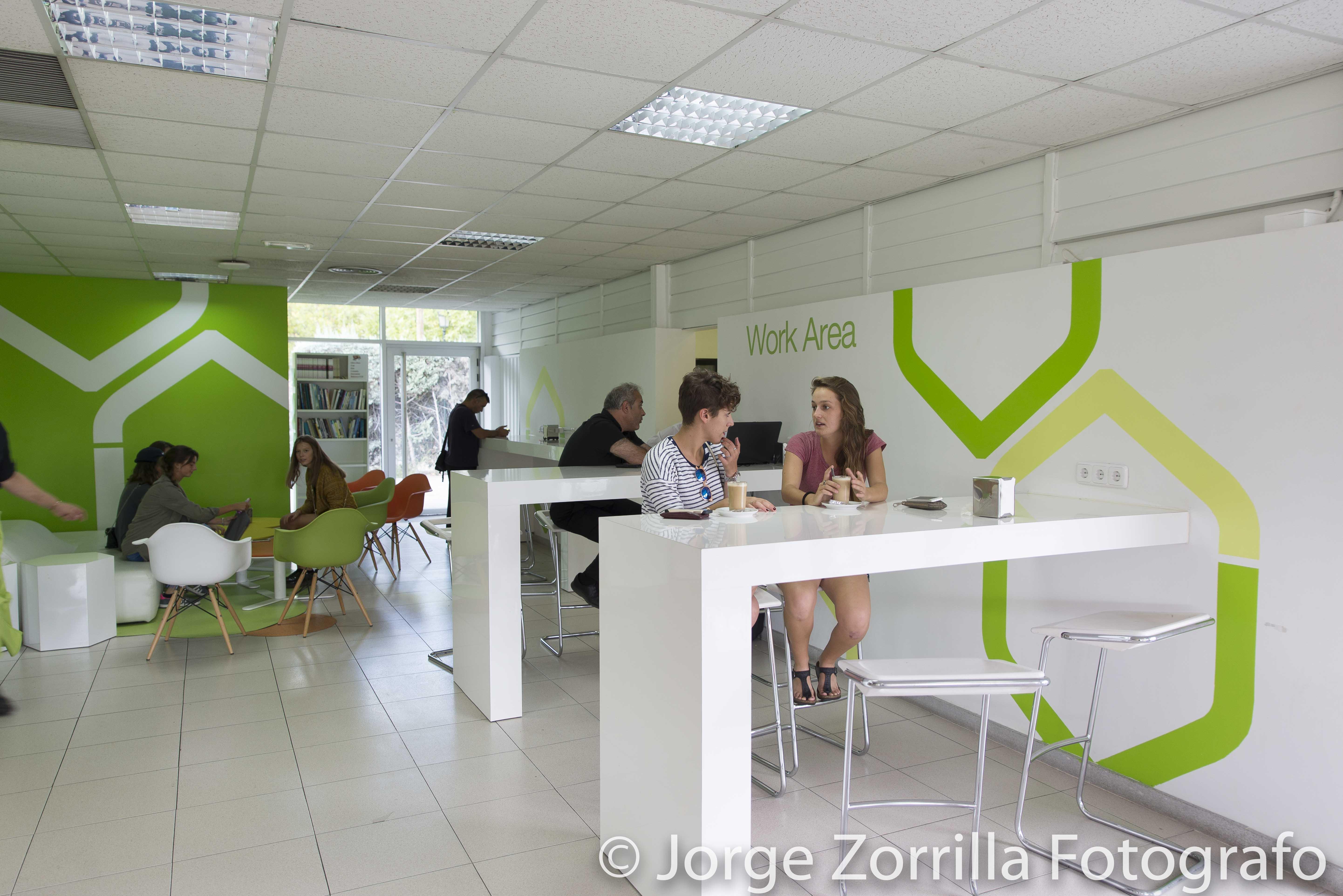 Fotografía Aula de alumnado de Universidad Camilo Jose Cela en Madrid © Jorge Zorrilla Fotógrafo Mad