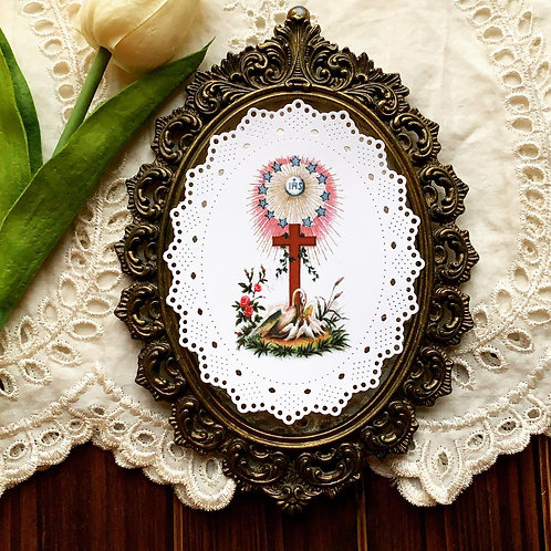 IHS Pelican Oval Paper Lace Holy Card