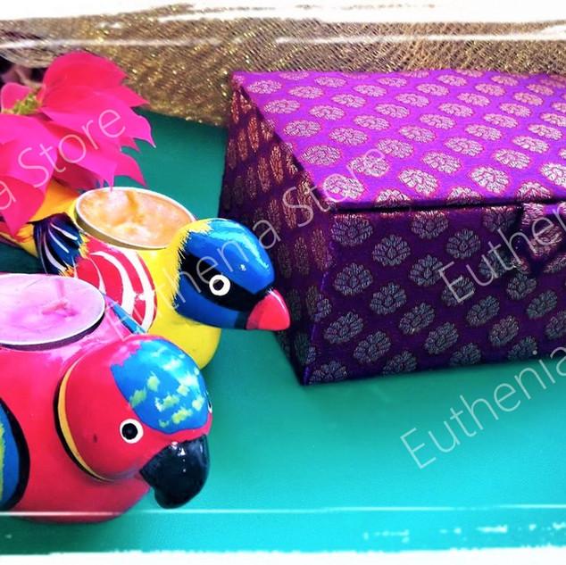 Brocade gift box
