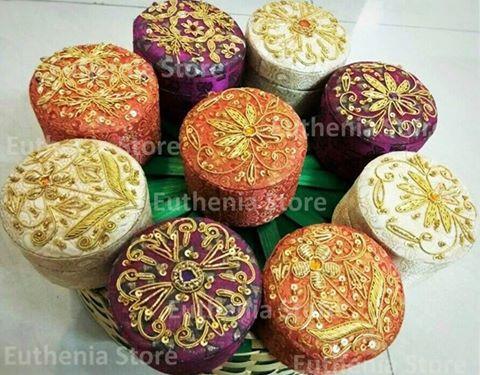 Zardosi Gift boxes round
