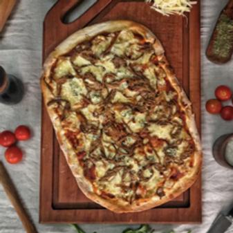Pizza de carne mechada