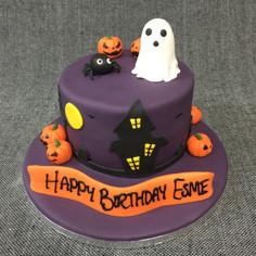 HALLOWEEN THEMED CAKE.JPG