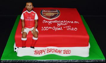 Theo Walcott's Arsenal Cake.JPG