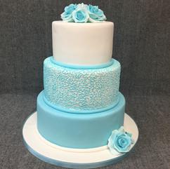 Wedding cake with filigree.JPG