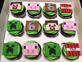 MineCraft Cupcakes.JPG