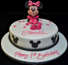 3D MINNIE MOUSE ON ROUND.JPG