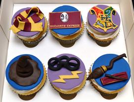 HarryPotte Cupcakes.JPG
